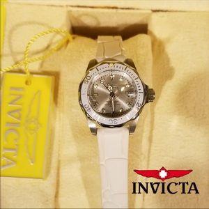 Invicta women's Pro Diver Quartz